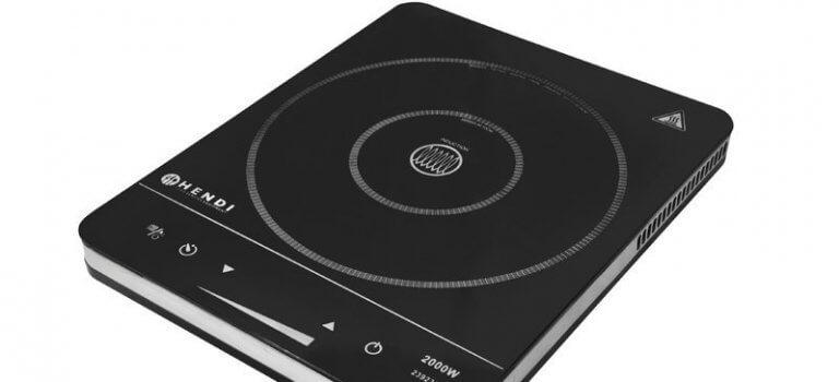 Cucinare con la cucina ad induzione: vantaggi e svantaggi
